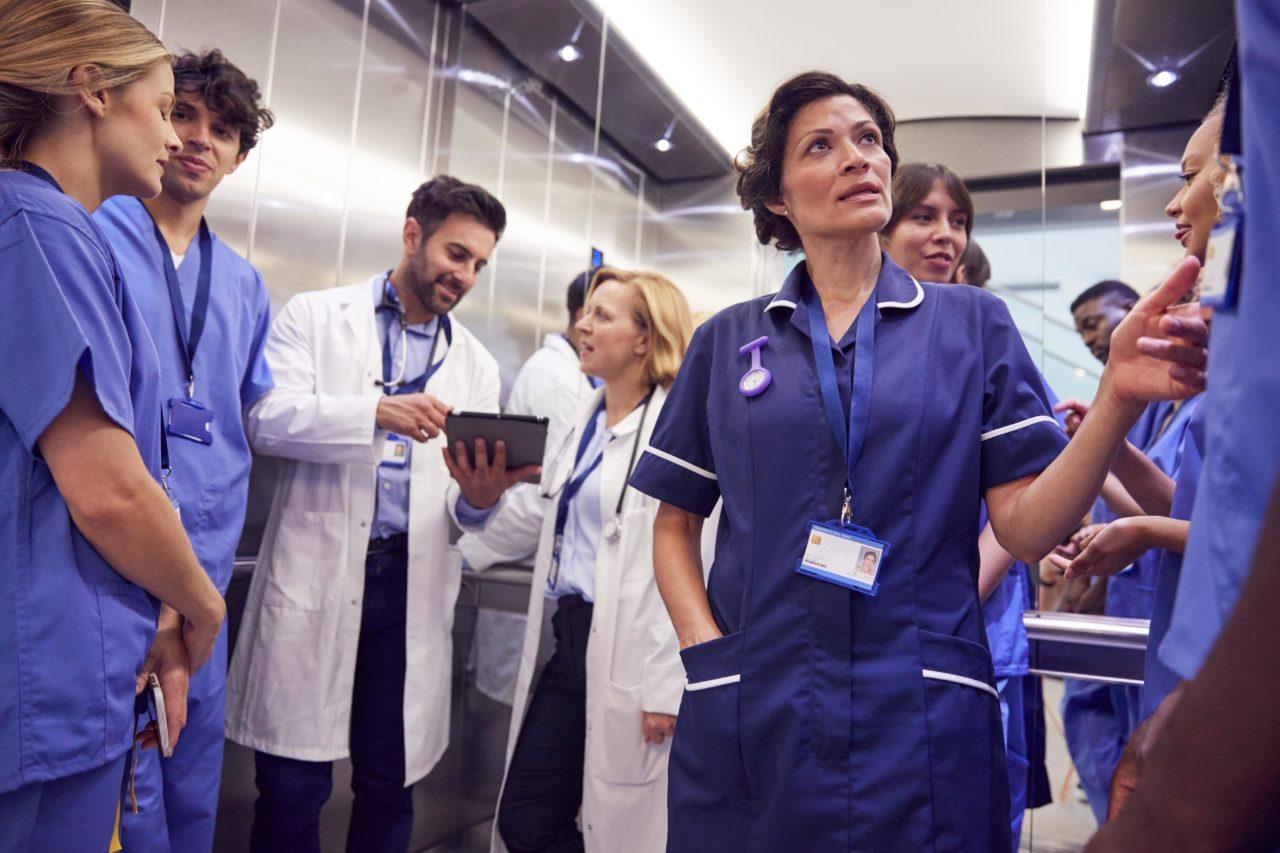 今すぐ使える医療英語!医療現場で役立つフレーズ&英単語一覧