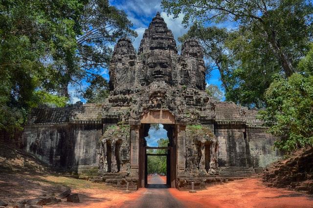 カンボジアの看護師事情って?資格や給与、日本との違いを徹底解説!