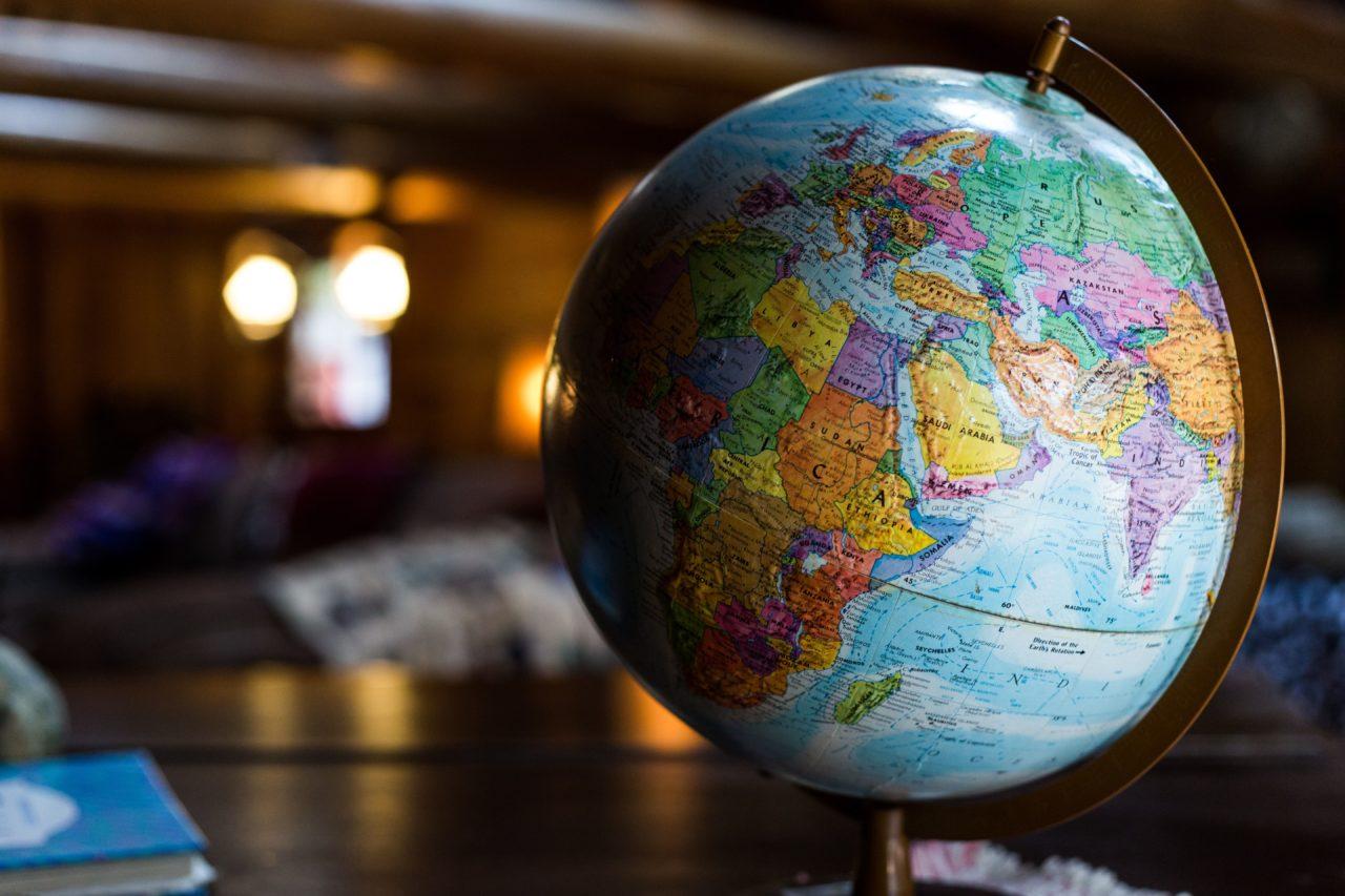 海外ボランティアしたい社会人必見!なるべく安く参加する方法とは?